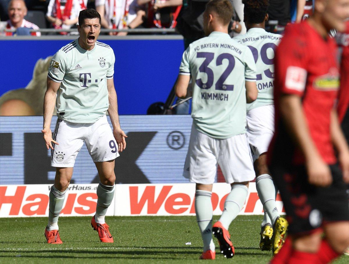 Бундеслига. Боруссия Д вернулась на первое место, Бавария не смогла выиграть у Фрайбурга - изображение 1