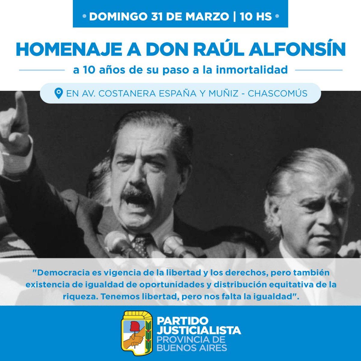 Realizan homenajes a Raúl Alfonsín en el cementerio de La Recoleta