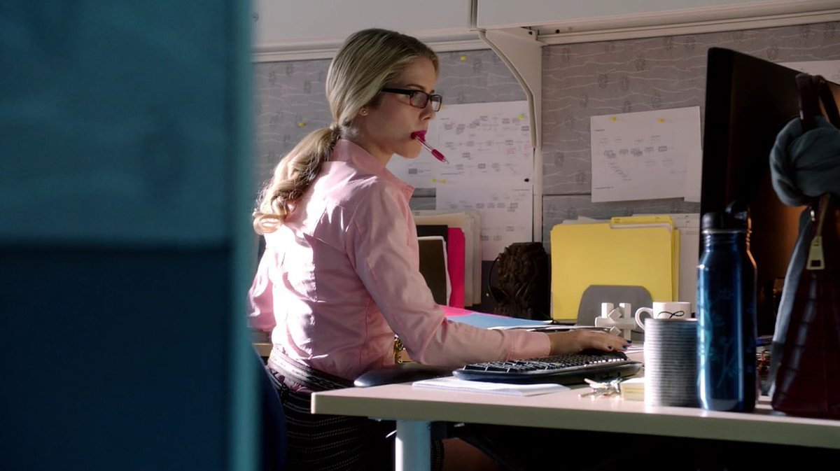 I hope wherever Felicity Smoak goes from here, they love her as much as we do. 💖
