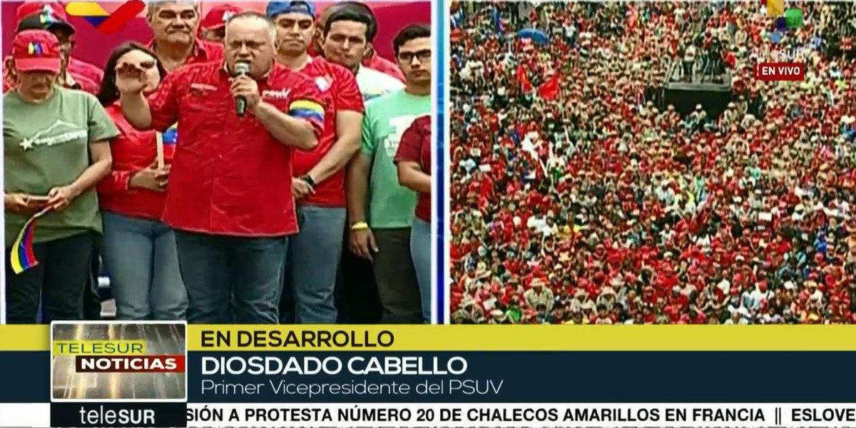 Situation in Venezuela D27zgm_WoAABz-m