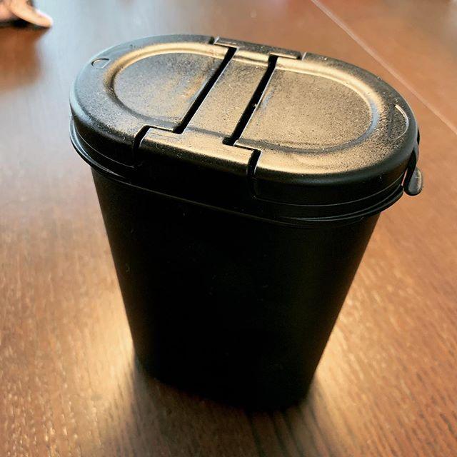 test ツイッターメディア - glo用の灰皿にちょうど良さそうなサイズだったので、黒く塗ってすっぽり。 #cando #キャンドゥ #百均 #renault #ルノー #kangoo #カングー https://t.co/q3PWoPiXaP