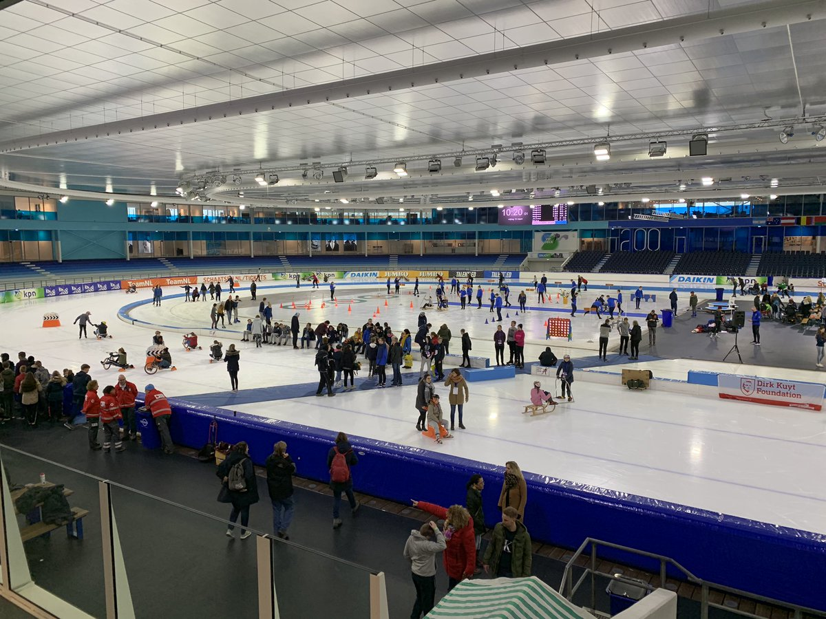 IJspret in @Thialf vorige week voor meer dan 500 kinderen uit het Special Onderwijs! Een fantastisch initiatief van School Lyndensteyn, die net als wij vinden dat ook jeugd met een beperking de mogelijkheid moet hebben om te schaatsen, ijshockeyen etc. #IJssportdag #CreatingSpace
