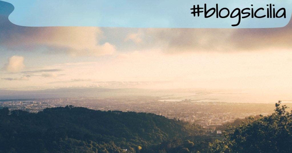 """""""Ciò che il bruco chiama fine del mondo, il resto del mondo chiama farfalla.""""  Buongiorno da#blogsicilia"""