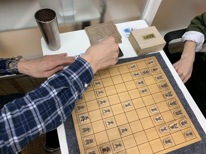 (プロ棋士の)囲碁対将棋