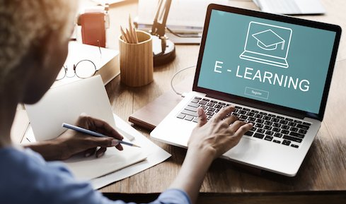 """Time for #business execs to do some """"human learning"""" on #AI and #machinelearning. https://ubm.io/2Y6yioC @jessicadavis @coursera #artificialintelligence #elearning"""