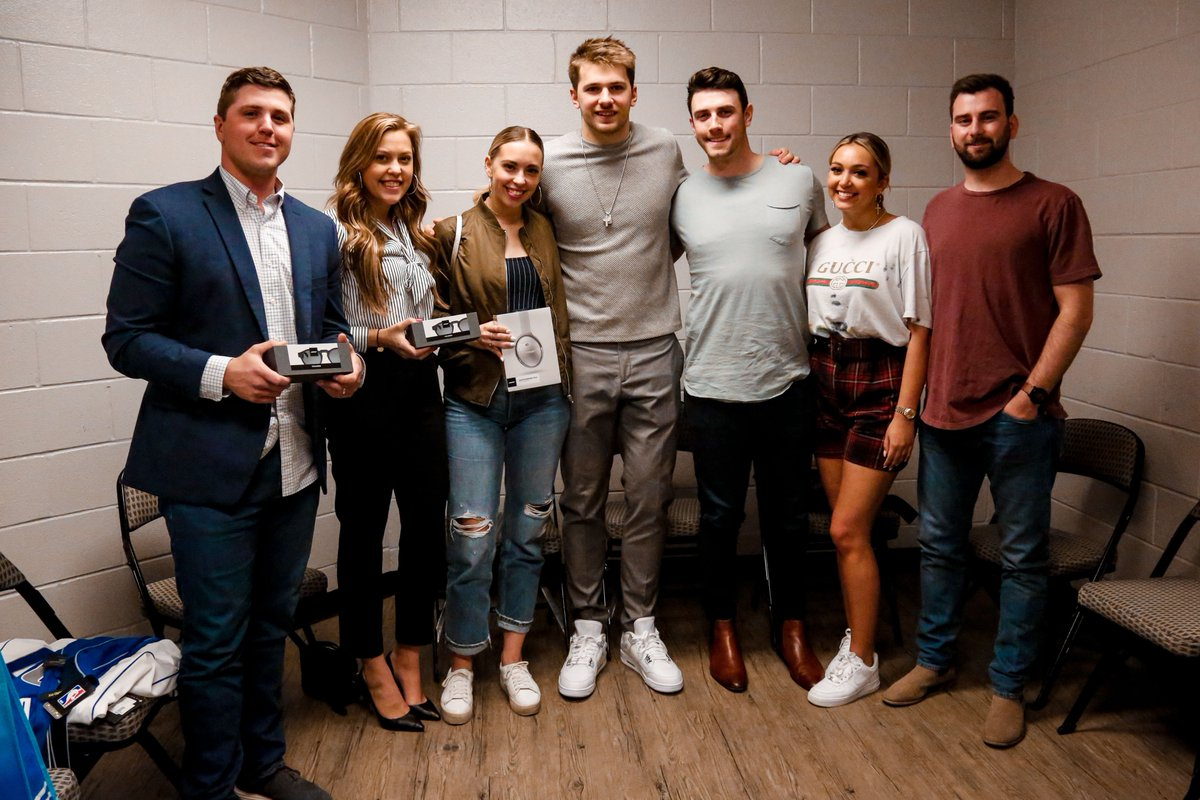 """Congrats to the winning bidders of the """"Luka Meet & Greet"""" prize, won at the 2019 Mavs Ball, benefiting the @mavsfoundation!   The group had the chance to visit with @luka7doncic after last night's @DallasMavs game and took home some spectacular @Bose products! #MFFL"""