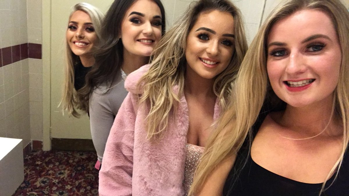 @kariswatsonxo Happy birthday gorgeous !! Hope you have a fab day n I'll see you friday for a boogie Xx<br>http://pic.twitter.com/ez1JHshSY6