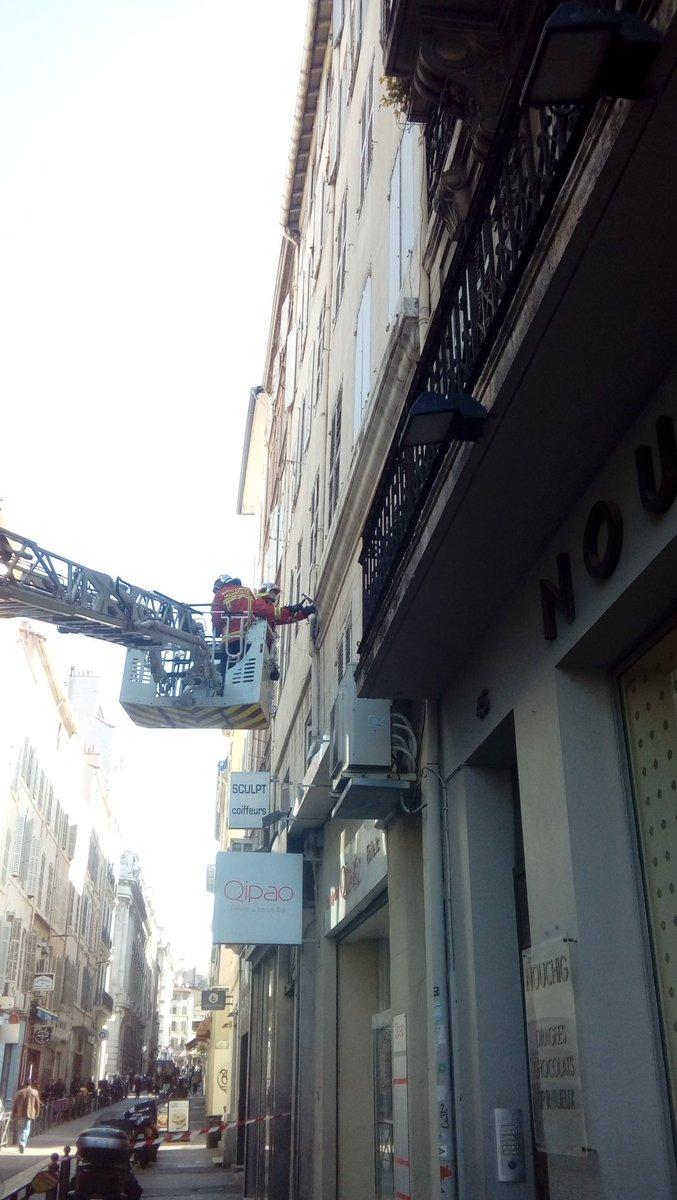Ce matin en faisant un tour à la manif #balancetontaudis a deux pas du vieux port. #Marseille https://t.co/0csBZY2co7