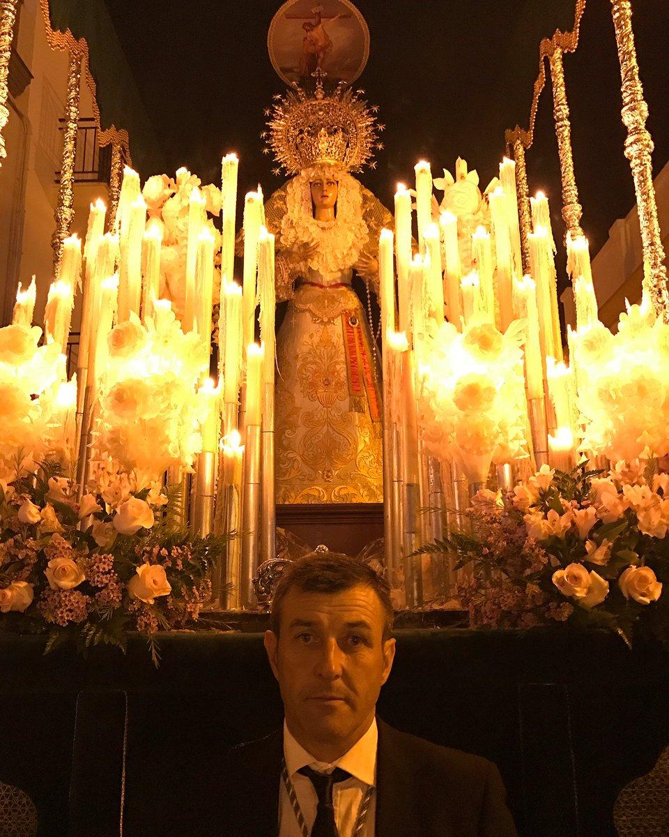 Antonio José's photo on Día de la Felicidad