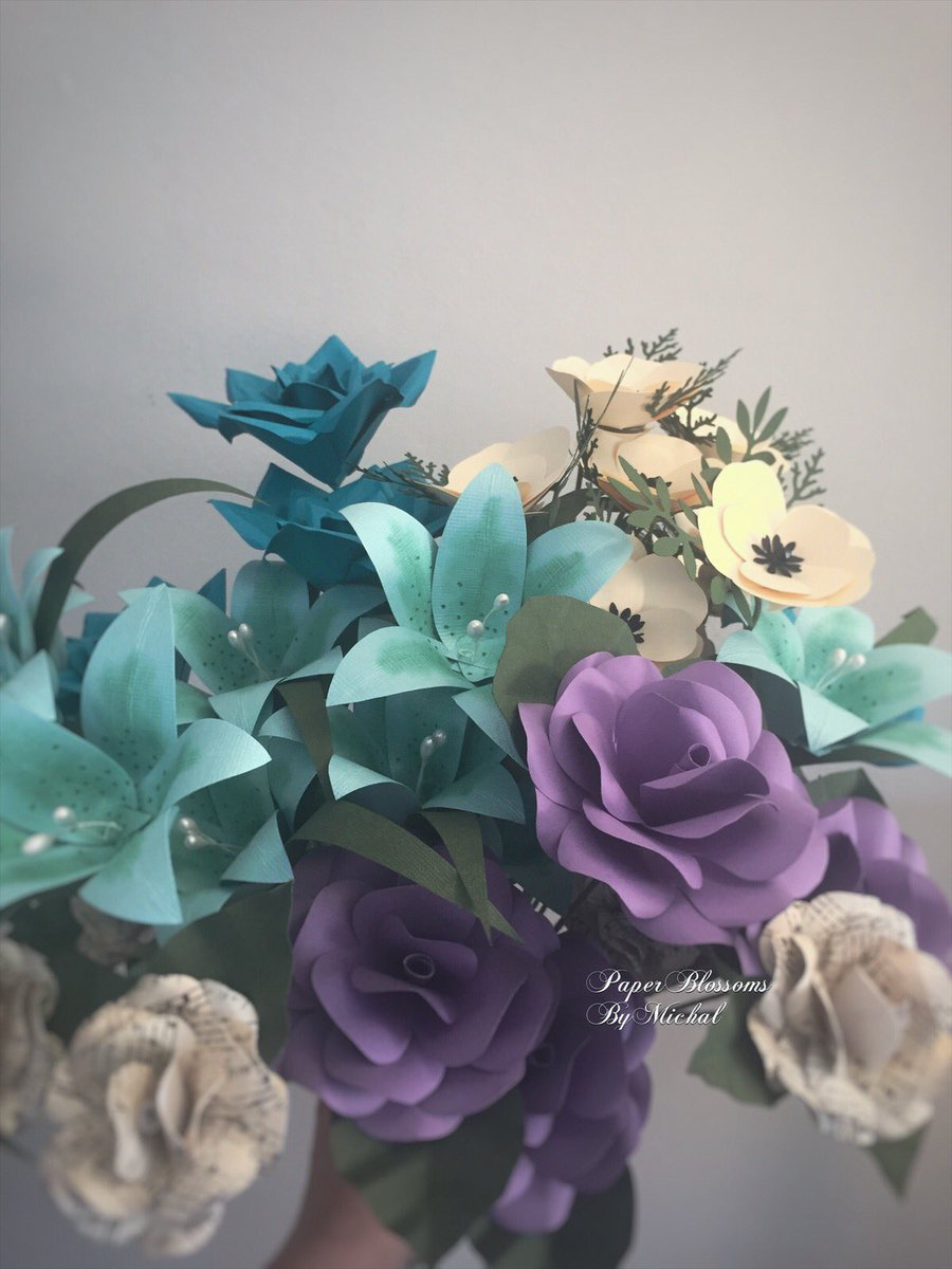 One of my favorite #paperflowers #bouquets! Find more at  http://www. paperblossombymichal.etsy.com  &nbsp;   #handmade #artistsontwitter #artoftheday<br>http://pic.twitter.com/KEOQ1G2oGT