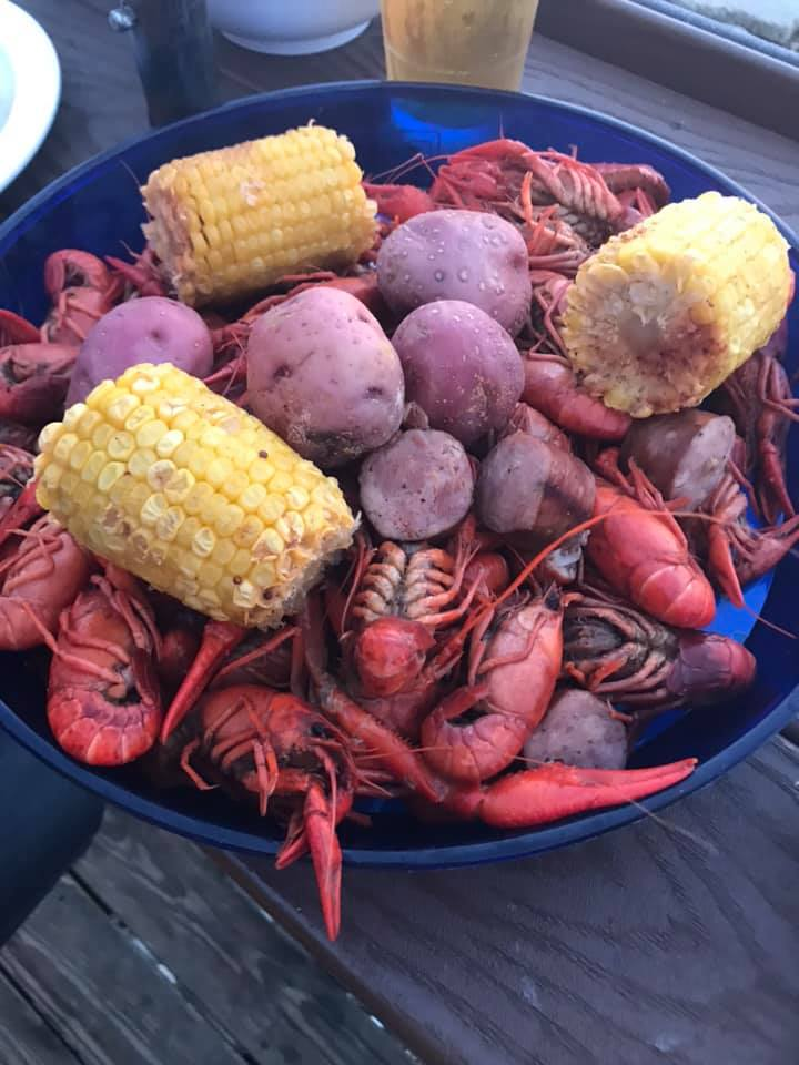 Barefoot On The Bay in Downtown PC is hosting Crawfish Night every Friday starting at 5pm! Don&#39;t miss out!  #Crawfish #PanamaCity #ThursdayThoughts<br>http://pic.twitter.com/T7nfgG8ByQ