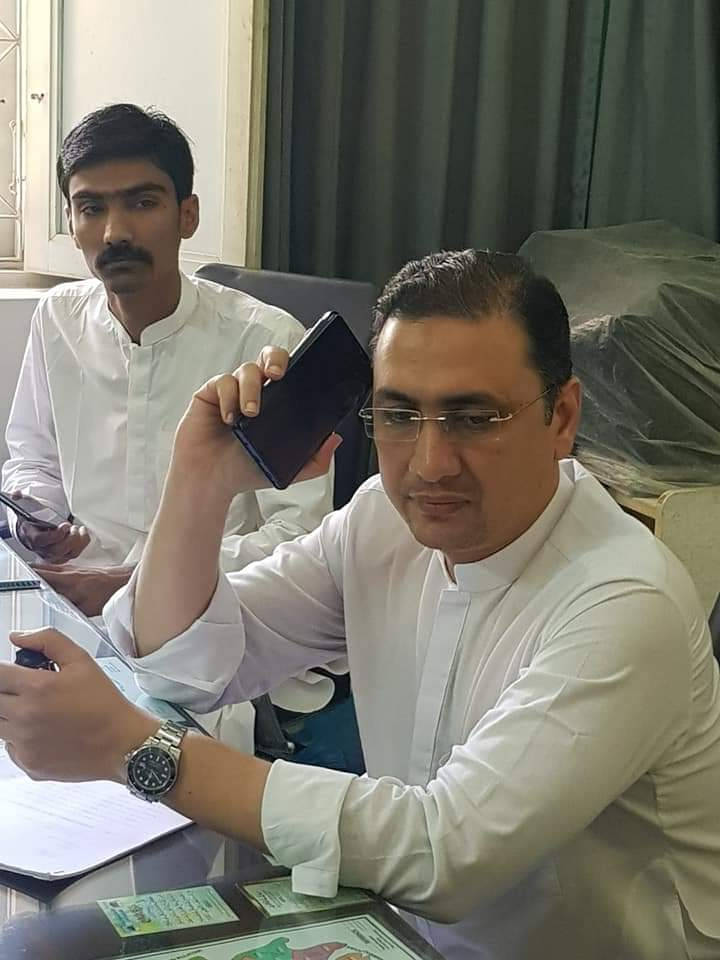 #PPP MNA @Tariqhsyed listening public issues of his constituency #NA225 at his office and took steps to resolve them.  @BBhuttoZardari @BakhtawarBZ @AseefaBZ