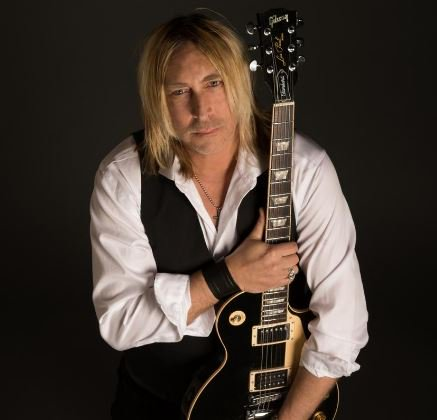 .@paulnelsonguit1 will perform at the @FunkyBluesShack on Friday night. Get to know Paul before the performance @nwfdailynews https://bit.ly/2FmCr0k #Headliner