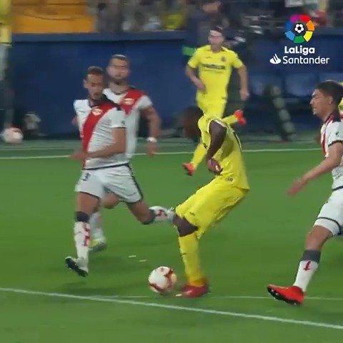 👏 ¡Ekambi la 'Tokó' de vicio! 👏  🔝 @VillarrealCF 🔝  #LaLigaSantander