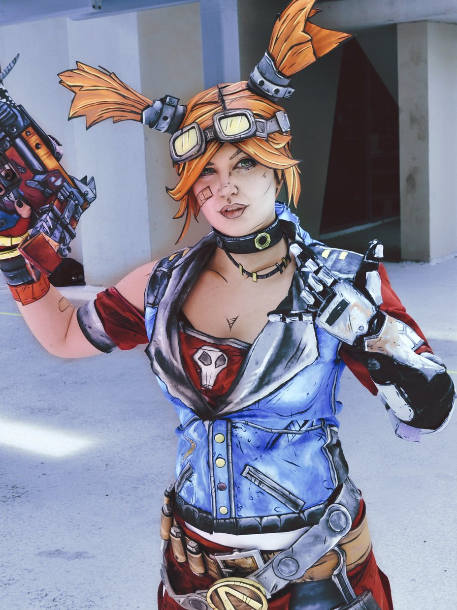 So excited to wear Gaige at C2E2 in Chicago this weekend!!!  Photo by Malthus Malfoy and costume by me! #borderlands<br>http://pic.twitter.com/S9cUaDLDIK