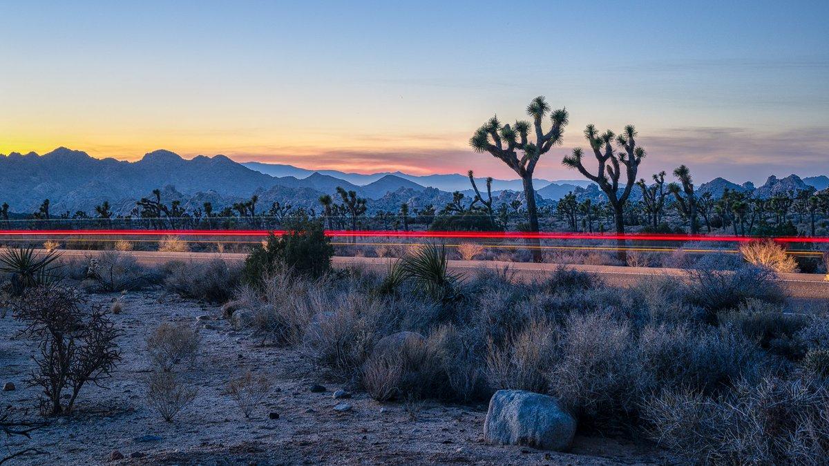 RT @TheMarke: Streaking Through The Desert  #JoshuaTree #Landscape #Photography https://t.co/LZgeCp2aNJ