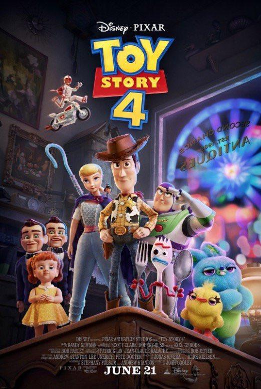 E tem cartaz oficial na área! Olha Woody e Buzz com seus novos amigos e desafetos de #ToyStory4