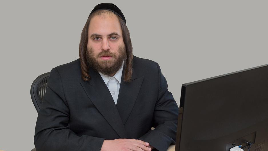 Charedi activist Shraga Stern sparks anger by calling Rabbi Avraham Pinter 'Kapo' http://bit.ly/2W73Vwo