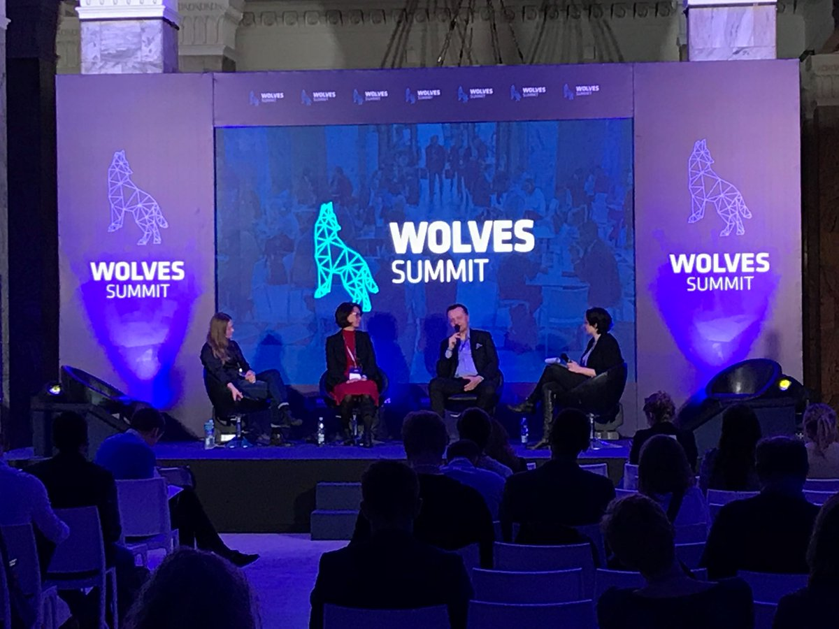 Marco R. Majer from @deHubChemHealth connecting with international #startups and expanding our #ecosystem to Central Eastern Europe at the @WolvesSummit in Warsaw/Poland. #5HT_ontour #digitalchemistry #digitalhealth https://t.co/yUZBQsxDv2