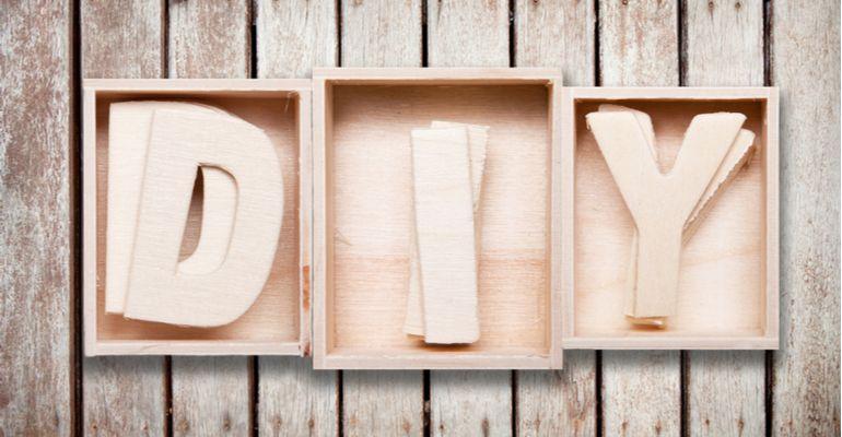 """Trào lưu Do it yourself và hành trình """"gõ cửa"""" nước Nhật #DIY #Doityourself #HomeCenter #Tântrang #Thiếtkế #Tiếtkiệm #Tựlàm http://www.dieuhaynhat.com/trao-luu-do-it-yourself-va-hanh-trinh-go-cua-nuoc-nhat/…"""