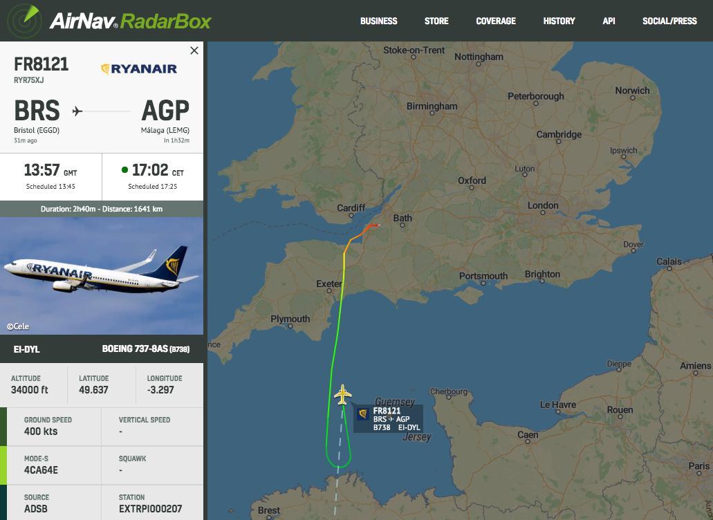LIVE @Ryanair #FR8121 to Malaga is declaring an emergency and turning around https://www.radarbox24.com/flight/FR8121