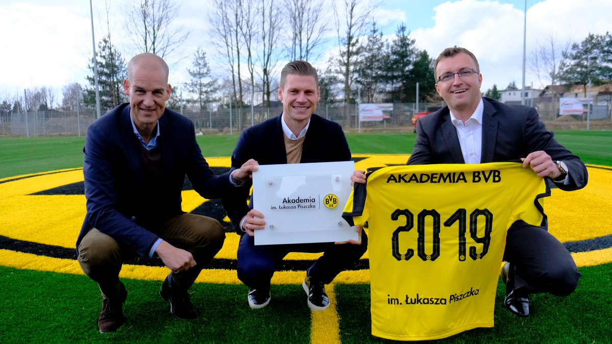 Łukasz Piszczek has helped to establish a BVB youth academy in his hometown of Goczalkowice-Zdrój, Poland 🇵🇱  A legendary gesture from a legendary player...cheers Łukasz! 🥂