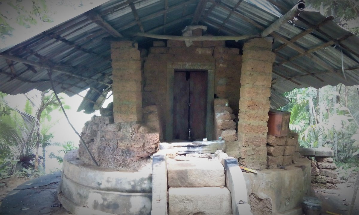 3. Athadi Siva temple, Areakode, Malappuram Kerala  This Siva temple was destroyed and all Hindus of locality forcefully converted to Islam during Tipu invasion. Temple is in now in a very sorry state. However a nearby Hindu family is lighting the lamp daily.  #ReclaimTemples<br>http://pic.twitter.com/sFQwEreau7