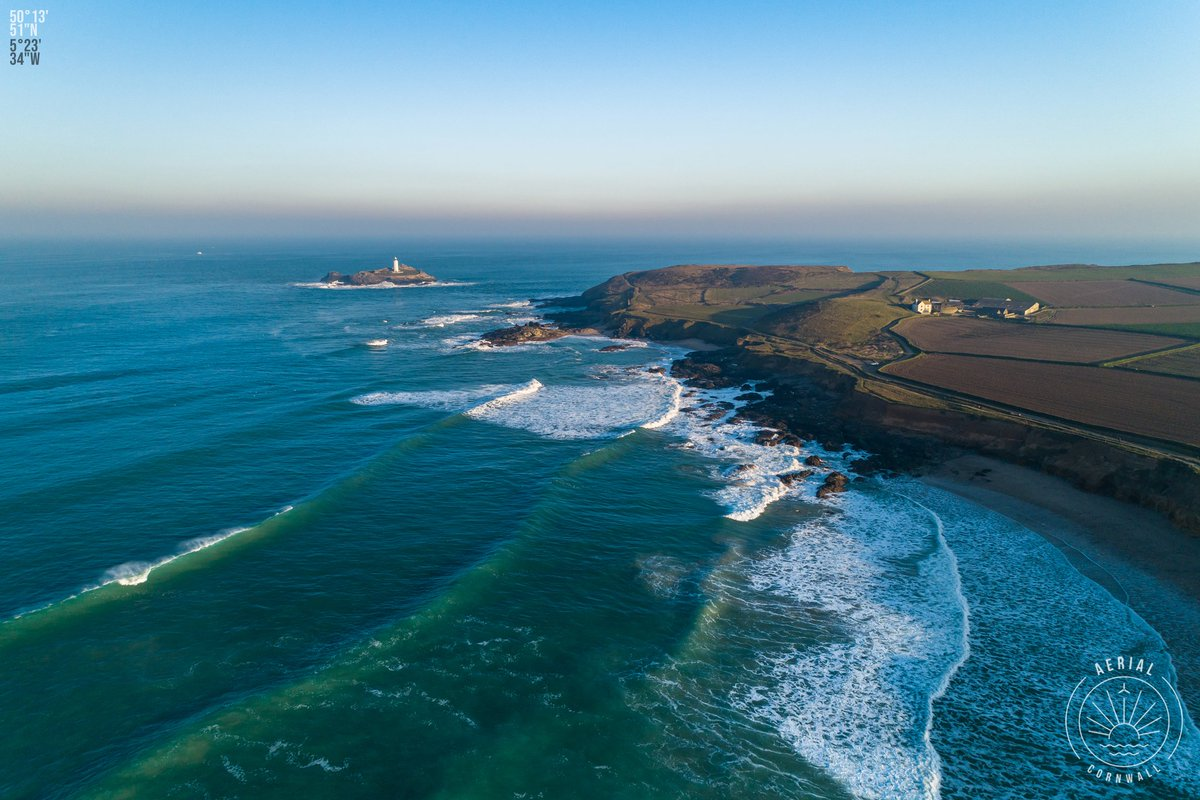The iconic Godrevy Lighthouse on a fine Winter's morning  Tomorrow is the first day of Spring so thought this is a good image to see out Winter. #Cornwall 50°13&#39;51&quot; N 5°23&#39;34&quot; W<br>http://pic.twitter.com/JGc4R8KP2V