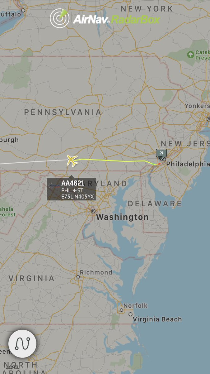 LIVE @AmericanAir #AA4621 from Philadelphia to St Louis is declaring an emergency and diverting http://radarbox24.com/flight/aa4621