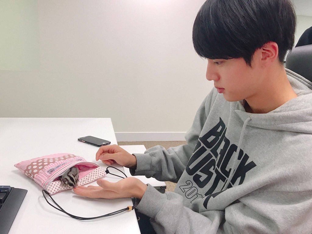 #WeLoveYouJin Although it left, we will still be with you. I hope you will be happy and healthy all the time. <br>http://pic.twitter.com/PFHYRqBjNe