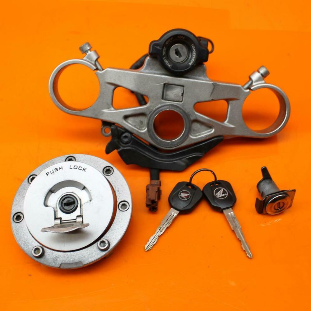 2008-2011 HONDA CBR1000RR OEM IGNITION LOCK KEY SET W/ GAS CAP AND SEAT LOCK  http:// bastm.flussstone.info/US/categories/ twt/?id=http://rover.ebay.com/rover/1/711-53200-19255-0/1?ff3=2&amp;toolid=10039&amp;campid=5337797091&amp;item=264246382544&amp;vectorid=229466&amp;lgeo=1 &nbsp; … <br>http://pic.twitter.com/dtT1dWfZzb