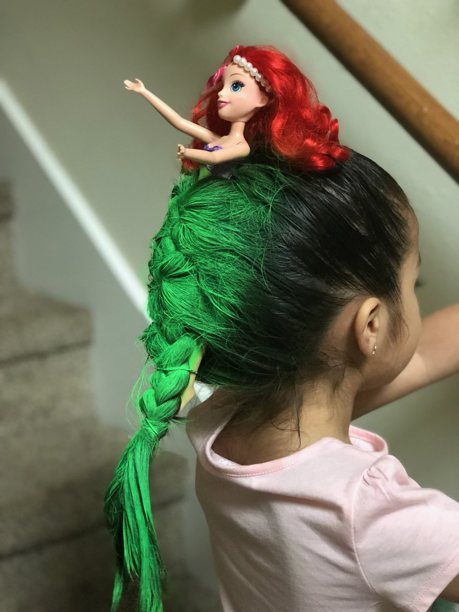 I Just About Keeled Over When I Saw This Little Girl's Crazy Princess Ariel Hairdo