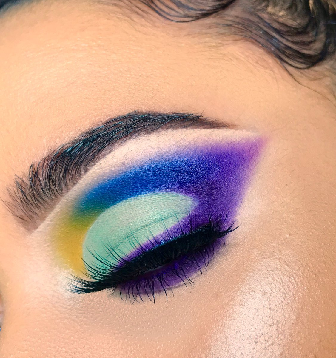 Back with a recreation of @lexusmperezz's look and WHEW  HER MIND IS POWERFUL    <br>http://pic.twitter.com/dksvPrDgTs