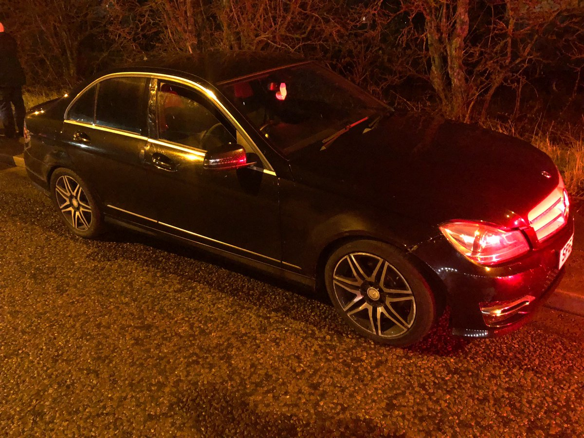 Stopped by T3 last night in Simonstone. This Merc had no MOT, the driver very quickly admitted no licence/insurance. Something still didn't feel right...searched &amp; occupants arrested for possession with intent to supply. Vehicle #seized, drugs and cash recovered #NotJustTickets<br>http://pic.twitter.com/Wd4QPsIico