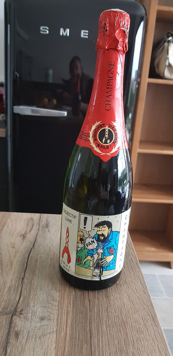 @PSchydlowski #Champagne #Tintin 🍾🥂 on la débouche quand ❕ 😋 https://t.co/uyjrs28OXr