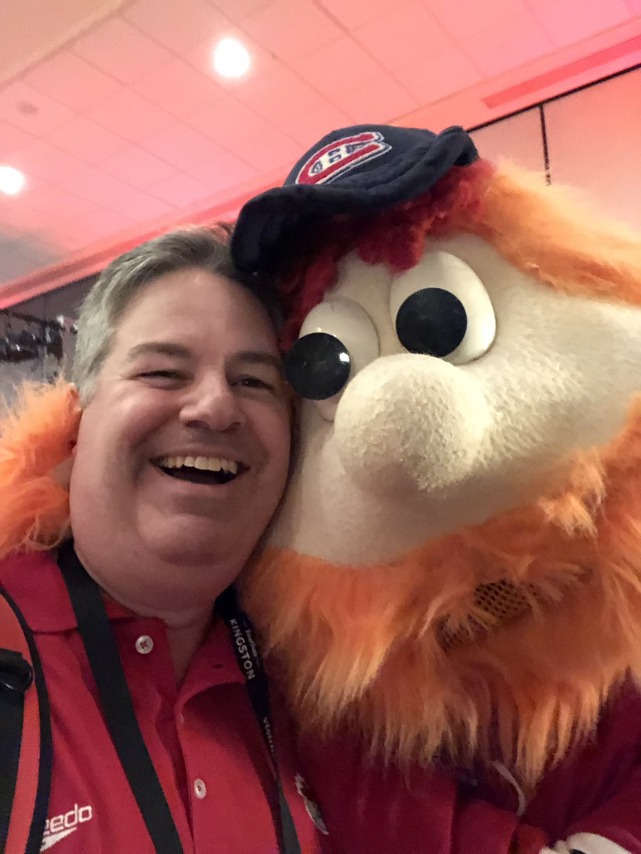 Great day to put names to faces at @SportEventsCong and got to meet Youppi! #ILoveMascots https://t.co/vR0SYqMHa4