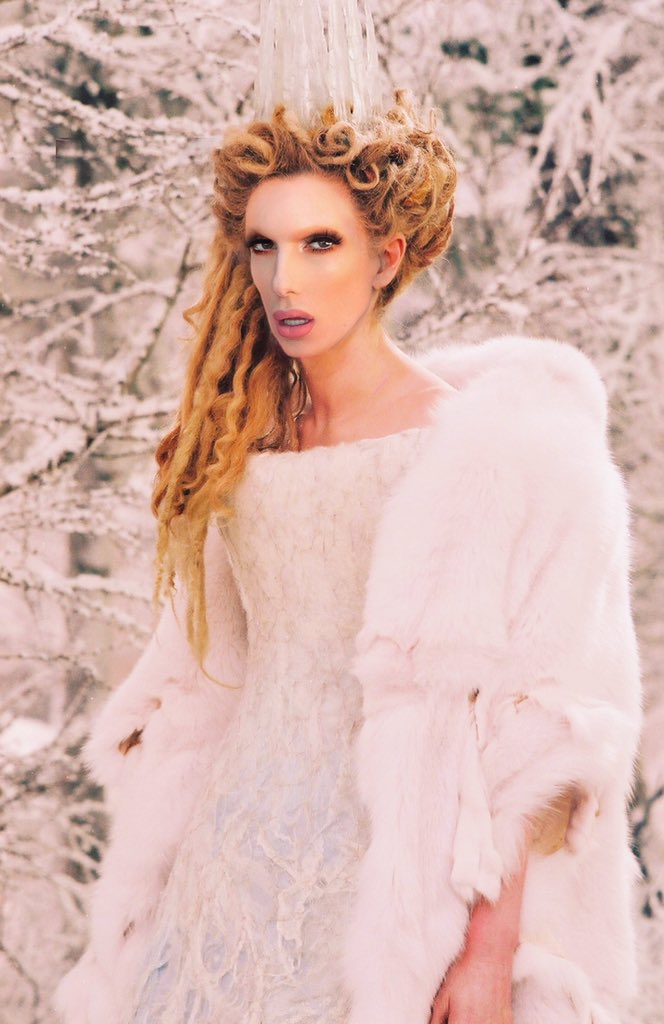 @JeffreeStar the blue blood palette gave white witch vibes from chronicles of narnia  <br>http://pic.twitter.com/Y5jz2jdb9E
