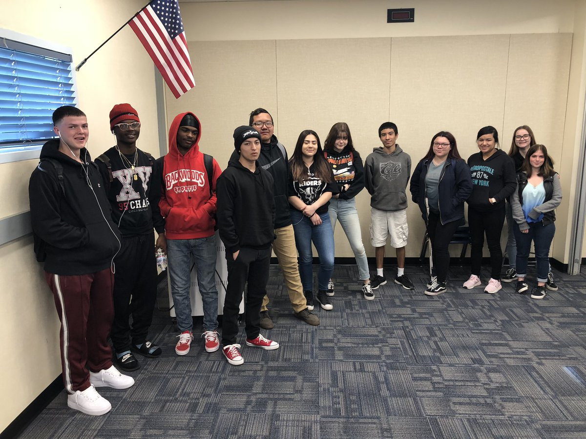 Had the great fortune of connecting with more wonderful @CHSPhelan students on caring school environments and legendary #schoolclimate. Valuable and insightful #LCAP feedback for all of @SnowlineJUSD. #ty #studentvoice #yOURstory<br>http://pic.twitter.com/mNrqFjNjnW