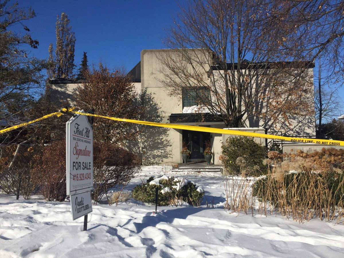 Toronto home where Barry, Honey Sherman were killed to be demolished  http://fw.to/8wXbtKM