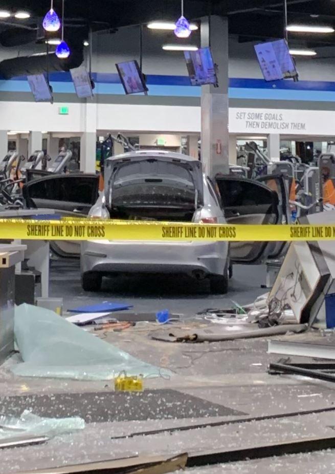 #LASD @NorwalkLASD Attempt Murder Suspect, Sergio Reyes Arrested after Stolen Car Plows into Fitness Club, on 3/19 @ 1:43am in La Mirada  https://www.facebook.com/LosAngelesCountySheriffsDepartment/photos/a.227394993954088/2672271496133080/?type=3&theater…