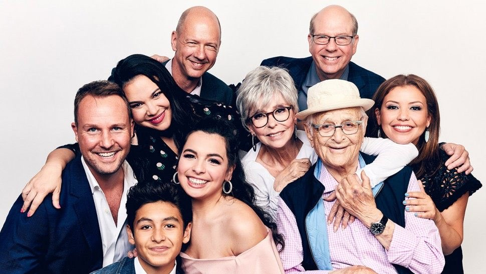 Which TV show deserves better? #saveODAAT <br>http://pic.twitter.com/33SO7YwMtH
