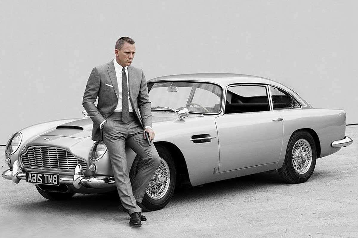James Bond is making the switch to an electric car, so when will you?  http:// bit.ly/2FmDkWM  &nbsp;  <br>http://pic.twitter.com/Y7LCtLbfZv