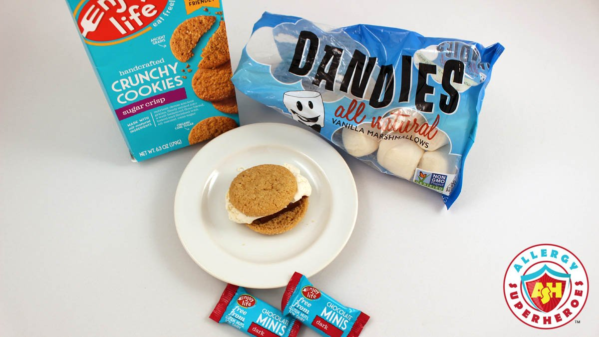 It doesn&#39;t have to be #nationalsmoresday to eat this #foodallergy friendly delicious treat from @enjoylifefoods &amp; @MyDandies!<br>http://pic.twitter.com/xgaX0GzXM5