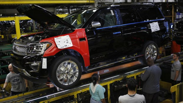 Ford boosts output of big SUVs for second time in two years http://fw.to/0YVKfQN