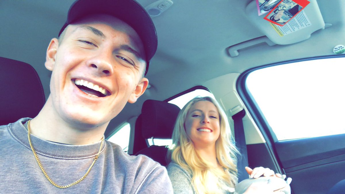 I love my girlfriend. I've never been happier in my whole life and wow I can't wait to see where life take us<br>http://pic.twitter.com/ajZ1VPf7W3