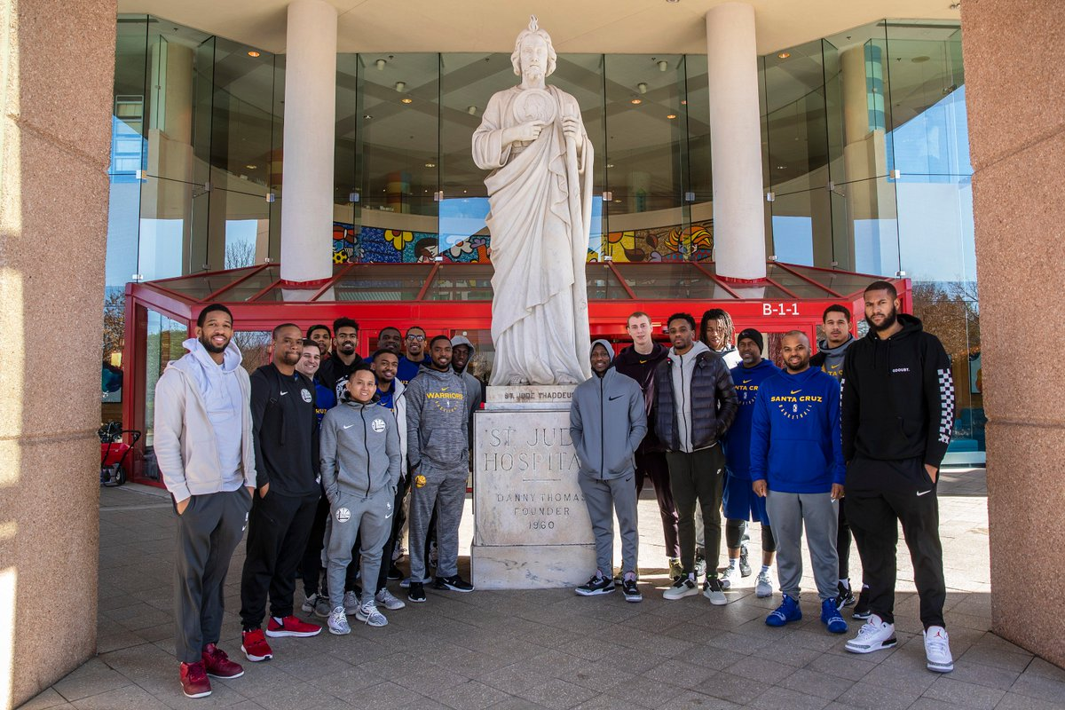 Earlier this season, the Santa Cruz Warriors toured the @StJude Children's Hospital in Memphis. We are proud to support this incredible institution, where families never receive a bill from St. Jude for treatment, travel, housing or food. @nbacares #NBAFITWeek #SeaDubs