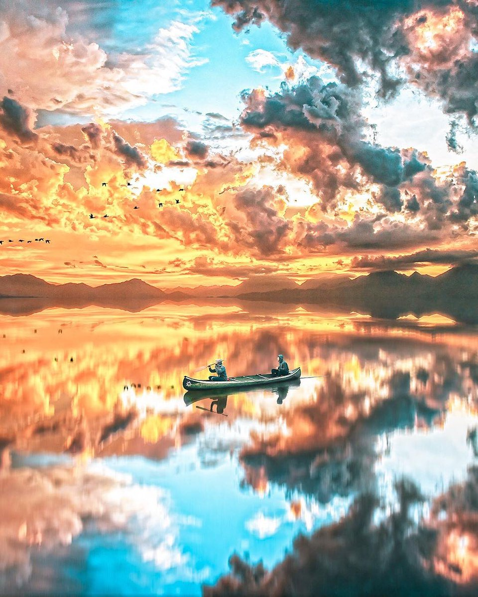 Our beautiful earth  |   Art by Siroj Ho'janazarov <br>http://pic.twitter.com/XIFUtcvSom