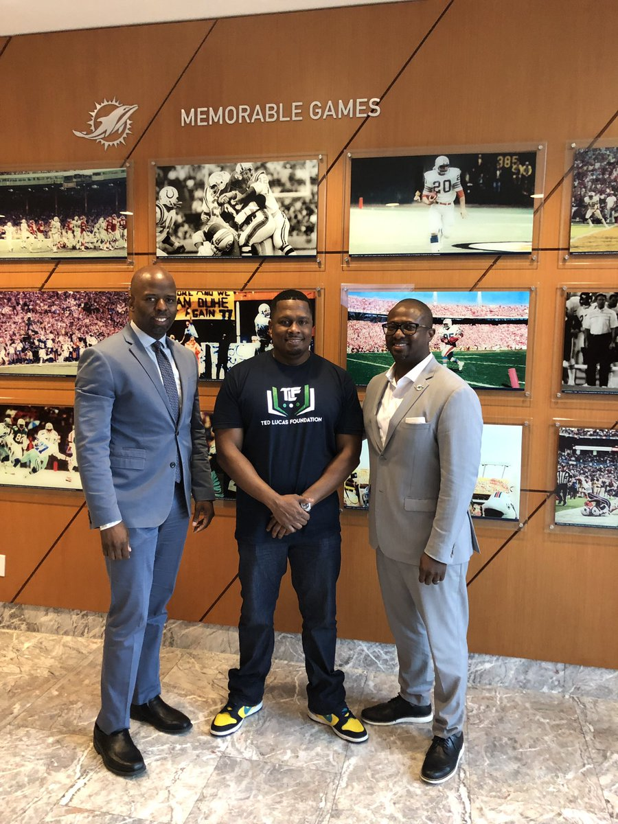 Great meeting with @IamTedLucas to talk about @MiamiDolphins community programs #TeamworkAtWork #FootballUnites – at Club Level Hard Rock Stadium