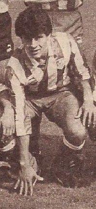 """El 19.3.1961 nació Gabriel """"El loco"""" González, delantero paraguayo que militó en el Atlético Madrileño entre 1983-85 (52 partidos). Luego jugó en Argentina y Paraguay hasta los 50 años, a pesar de que en 2001 fue sancionado por 2,5 años por agredir a un árbitro. #HistoriaATM"""