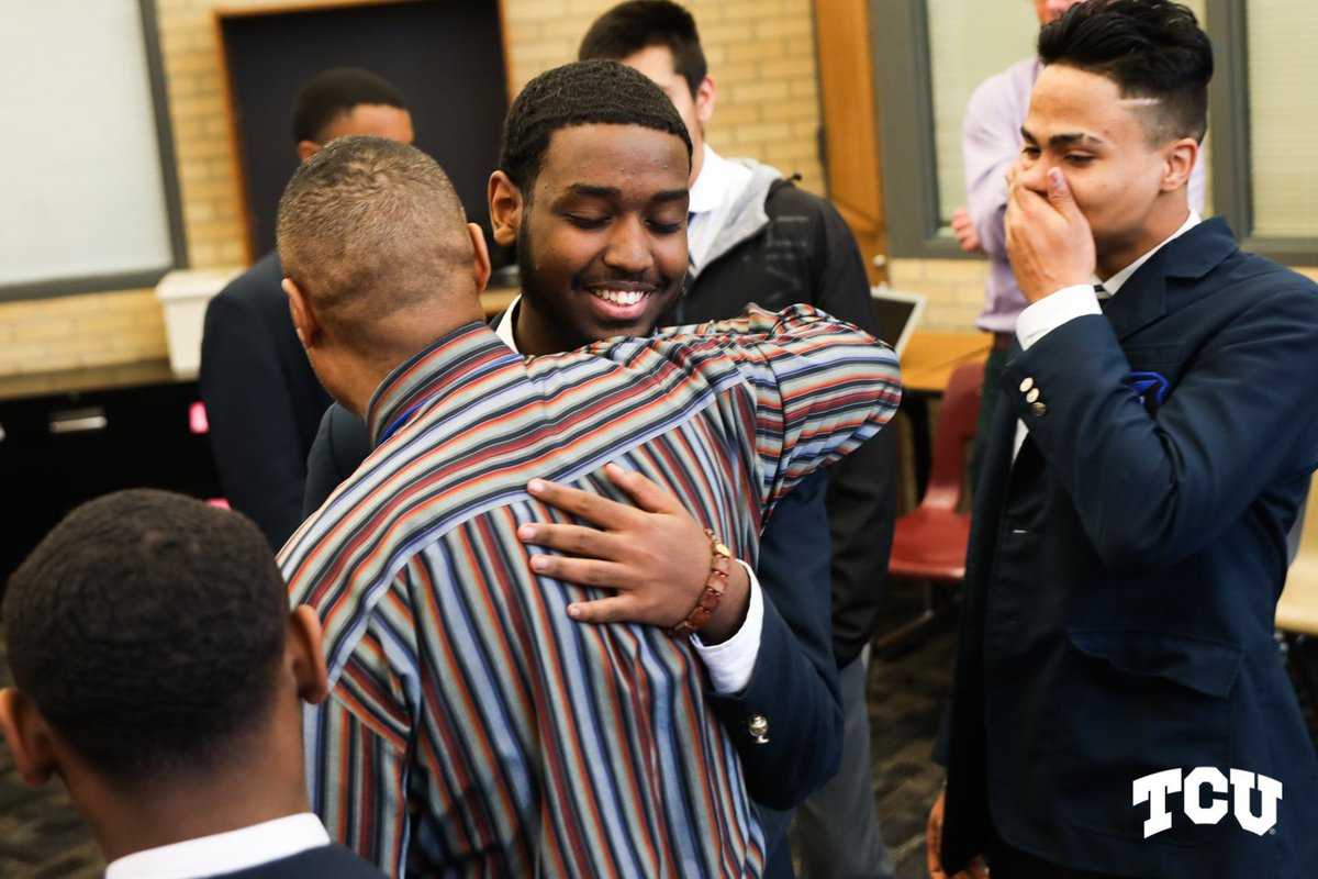 Congratulations to the five students from Barack Obama Male Leadership Academy who earned $260,000 full-ride scholarships to TCU! They are among 50 students in the metroplex to receive the scholarship. #LeadOnTCU<br>http://pic.twitter.com/py0tf8g6dv